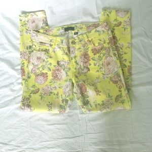 I JEANS BY BUFFALO YELLOW FLORAL CAPRI JEANS